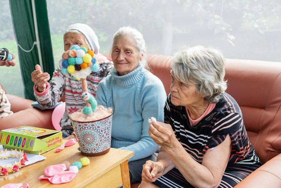 в дом престарелых